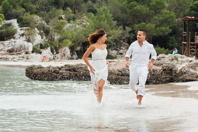 fotografos-post-boda-menorca-playa-cala-turqueta-ciutadella--45