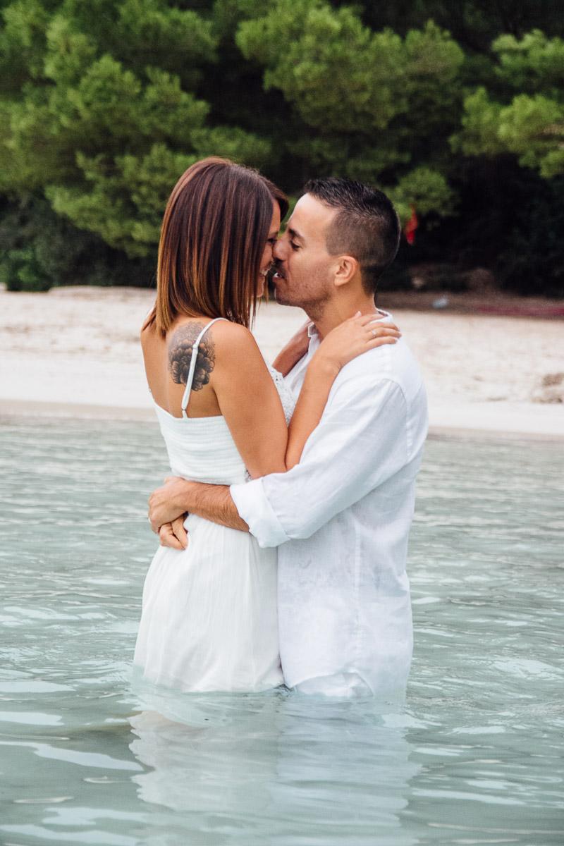 fotografos-post-boda-menorca-playa-cala-turqueta-ciutadella--48